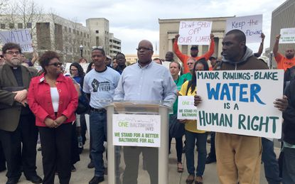 Protesters call on mayor to stop water shut-offs over unpaid bills