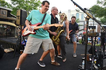 Free Friday night concerts in full swing in Towson, Hunt Valley