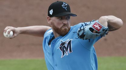 Orioles sign right-hander Dan Straily to major league contract, designate Drew Jackson for assignment