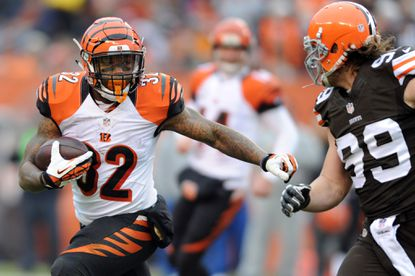 Despite antics, Bengals' Lewis says rookie Hill has been 'very mature'