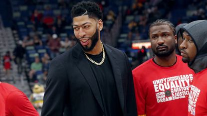 Lakers fans shouldn't freak out that the Anthony Davis trade hit a roadblock