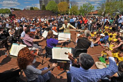 BSO performs a free concert outside Meyerhoff Hall