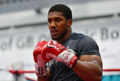 """Anthony Joshua,an Under Armour endorser and 2012 Olympic gold medalist, defeated <runtime:topic id=""""PESPT0016898"""">Wladimir Klitschko</runtime:topic> in front of 90,000 fans in London on Saturday night."""