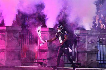 Lamar Jackson enters field for Ravens-Jets game. Dec. 12, 2019