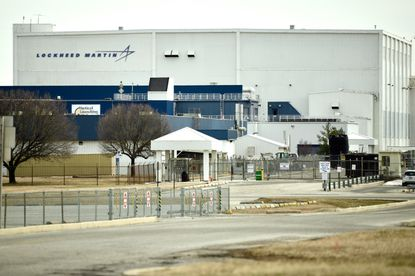 Lockheed Martin plans to close its 465-employee Middle River plant within two years and relocate the work to other company locations, ending more than 90 years of manufacturing at the site.