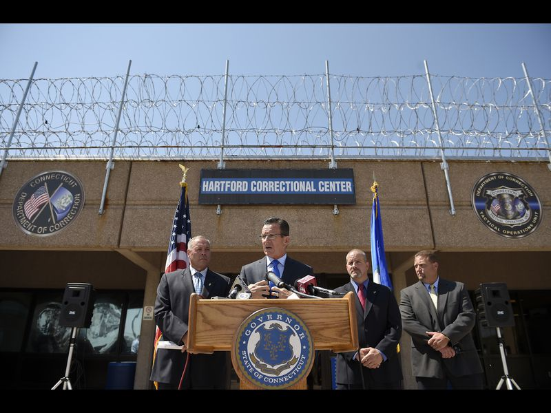 Pictures: Malloy Visits Hartford Correctional Center
