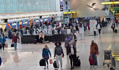 Travelers at BWI Thurgood Marshall Airport, Southwest terminal on Christmas Eve, December 24, 2020. (Jeffrey F. Bill/Baltimore Sun Media).