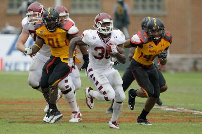Temple running back Bernard Pierce outruns the Maryland defense for a second-quarter touchdown.