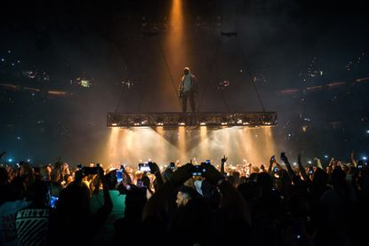 Kanye West puts on energetic show at Verizon Center in D.C.