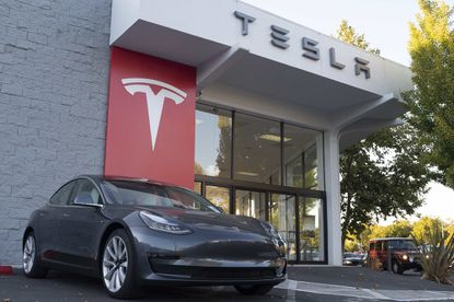 Tesla vehicles are on display at a Tesla store on Oct. 3, 2019 in Palo Alto, Calif. (Yichuan Cao/NurPhoto/Zuma Press/TNS)