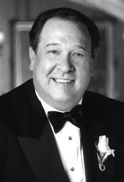 James J. Stankovic, clothing manufacturing executive, dies