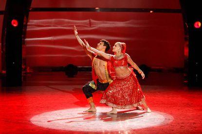 """Chehon Wespi-Tschopp and Witney Carson perform a Bollywood routine to """"Tandav Music."""""""