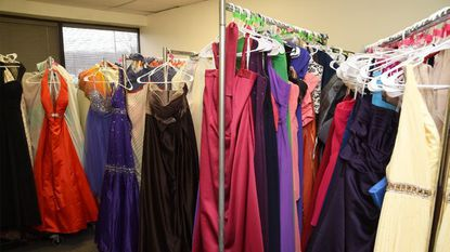 Fairy Godmothers Provide Prom Dresses For High School Students Baltimore Sun
