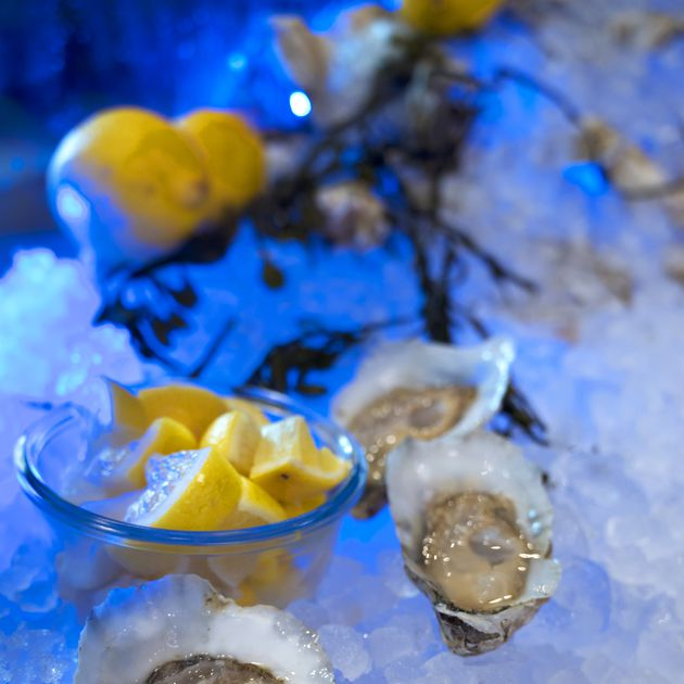 No shards, no screwdrivers: Baltimore-area experts on how (and how not) to shuck an oyster