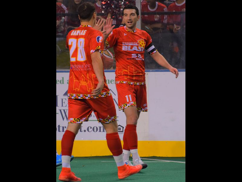 Tony Donatelli scores first two goals, sparks Blast in 7-2