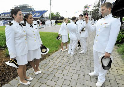 Female midshipmen to wear trousers, not skirts, at graduation