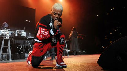 """Sisqo reportedly performed his hit song """"Thong Song"""" at his wedding reception on Aug. 17."""