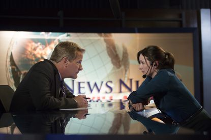 """Jeff Daniels and Emily Mortimer on """"The Newsroom."""""""