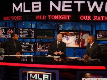 Bill Ripken (center) in studio on the MLB Network.