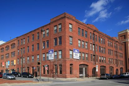 Delancey Street Capital acquired the Sail Cloth Factory apartments for $12.9 million.