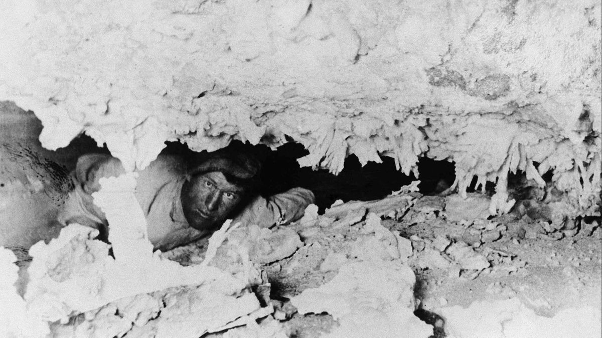 in 1925  the world watched as spelunker floyd collins was
