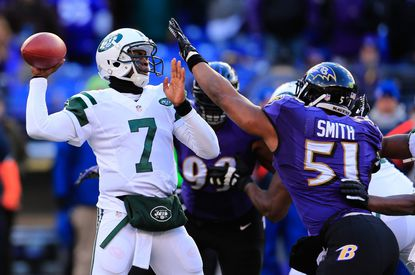 Daryl Smith outperformed his contract with the Ravens in 2013 and signed a more lucrative deal with the team Friday.