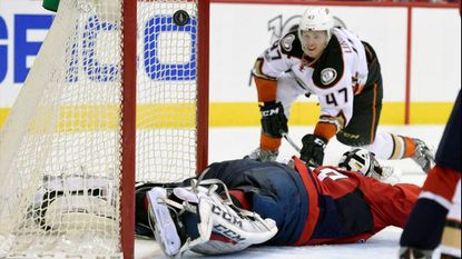 Ducks nearly steal one in Washington, fall to Capitals, 6-4