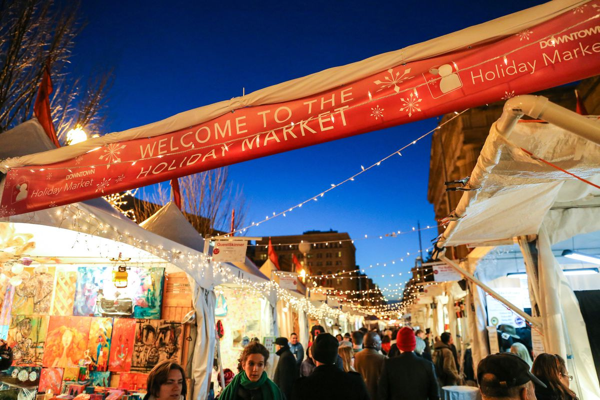 Which Country Hosts Striezelmarkt A Christmas Market Thats Been Held Since 1434.Christkindls Other Holiday Markets On East Coast Work Old
