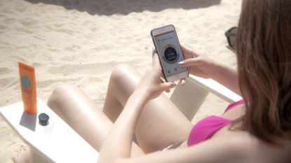 The QSun app aims to help users avoid skin damage by analyzing skin health and helping find the best sunscreen for different skin types.
