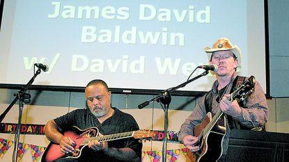 David Wenn and James David Baldwin perform during a 2006 Crofton City Limits event. The local musician showcase returns June 1 after an 11-year hiatus.