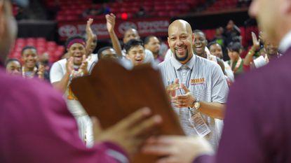 Dunbar boys basketball coach Cyrus Jones Sr. steps down after 12 seasons