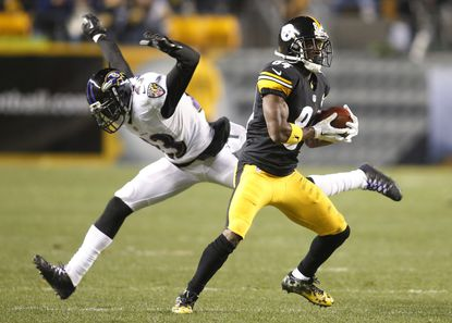 Steelers wide receiver Antonio Brown beats Chykie Brown for a 54-yard touchdown reception Sunday night.