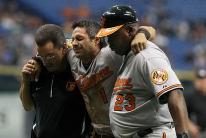 Orioles second baseman Brian Roberts injured on stolen base