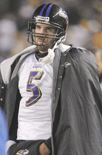 Joe Flacco watches as the Steelers go ahead 31-24 in the fourth quarter.
