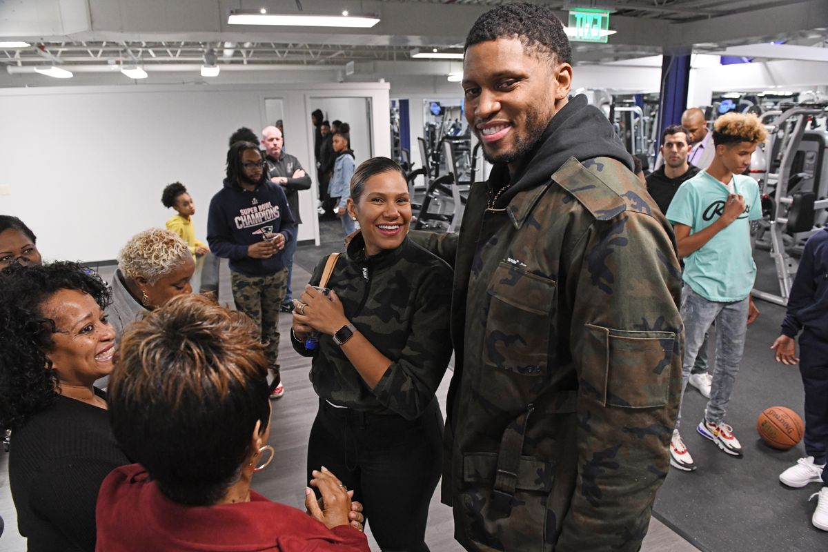 With Spurs teammates in tow, Rudy Gay opens basketball gym in Towson: 'It's a chance for me to have a foundation here'