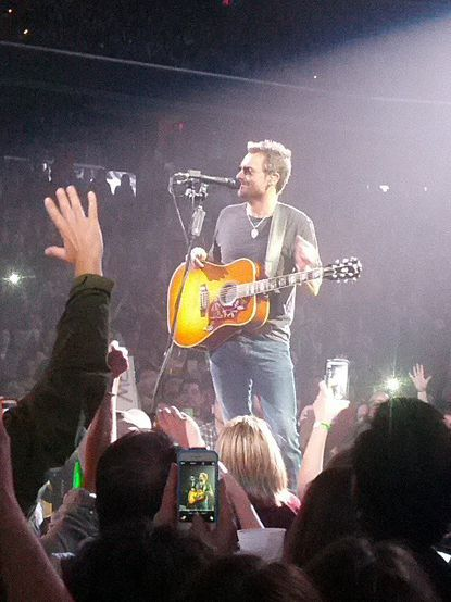 Live review: Eric Church's Verizon Center set waffles between bro-country and rootsy rock, and only one truly stands out