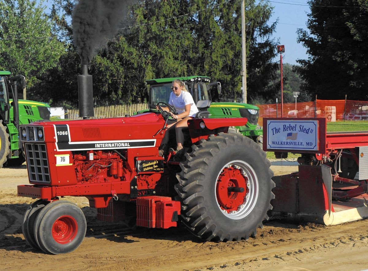 For some, Tractor Pull is a family tradition - Carroll
