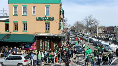 A bill to regulate Baltimore's bar crawls has passed unanimously in the House of Delegates.
