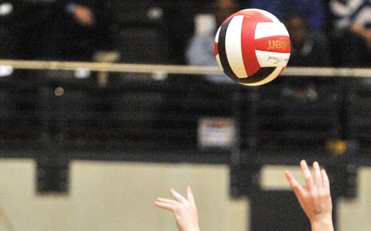 John Carroll boys take down Spalding in volleyball