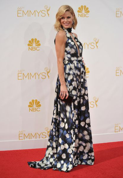 Julie Bowen arrives at the 66th Annual Primetime Emmy Awards at the Nokia Theatre L.A. Live on Monday, Aug. 25, 2014, in Los Angeles. (Photo by Richard Shotwell/Invision/AP)