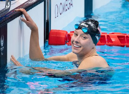 Baltimore native Jessica Long took gold in the 100-meter butterfly on Friday at the Tokyo Paralympics.