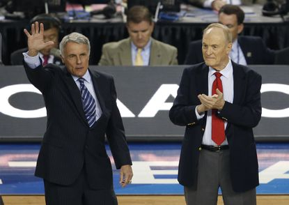 Former Maryland head coach Gary Williams, left, is recognized for his election to the National Collegiate Basketball Hall of Fame.