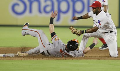 Orioles' 15 hits not enough in loss to Texas