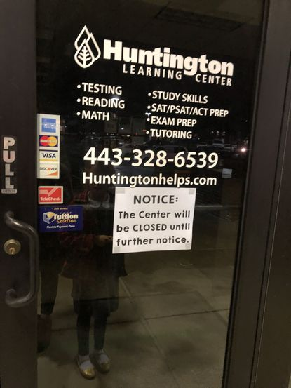 A sign on the Huntington Learning Center in Sykesville announces the franchise location's sudden closure.