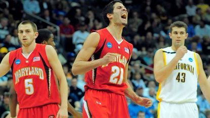 Greivis Vásquez (21) in the second half of the 2009 NCAA first round against California.