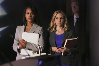 The team investigates Democratic Congresswoman Josie Marcus, while Olivia and Mellie have a surprising run-in during the White House Correspondents' Dinner.