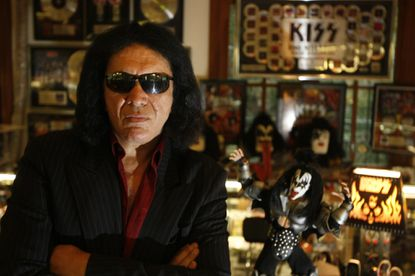 When asked in July whether he gets along with the original members of KISS, Gene Simmons let fly with his thoughts on drug use, alcoholism and suicide. Two weeks later, after Robin Wiliams' suicide, he apologized and clarified.