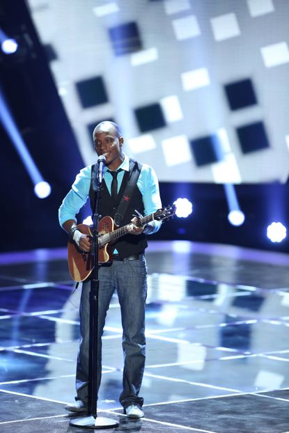 "Baltimore singer/songwriter Nelly's Echo performed the Bill Withers classic ""Ain't No Sunshine"" on ""The Voice."""