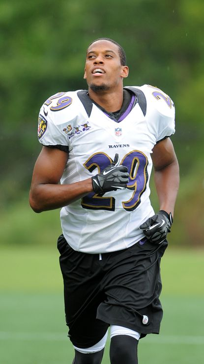 Cary Williams takes part in an open Ravens practice at Stevenson.