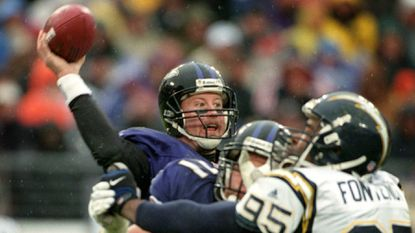 Trent Dilfer throws a pass against the San Diego Chargers on Dec. 10, 2000, the day the Ravens clinched their first playoff berth.